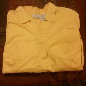 Short sleeve v neck button up blouse
